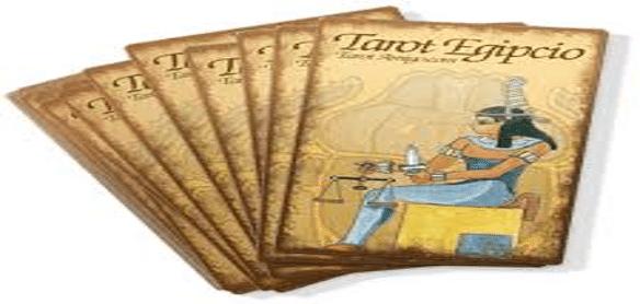 Médiums Videntes y tarotistas con barajas de tarot